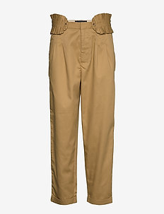 Clean twill chino with detachable pleated belt - chinokset - sand