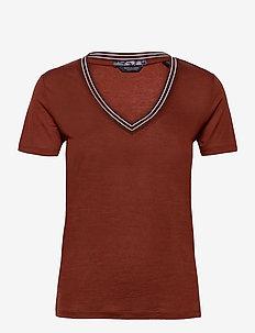 V-neck tee with striped rib detail - t-shirts - island brown