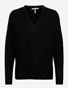 Fuzzy v-neck knit with side slits - tröjor - black