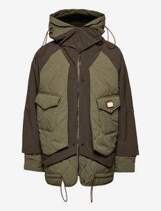 Colourblock mid-length jacket with Repreve® filling - pikowana - combo a