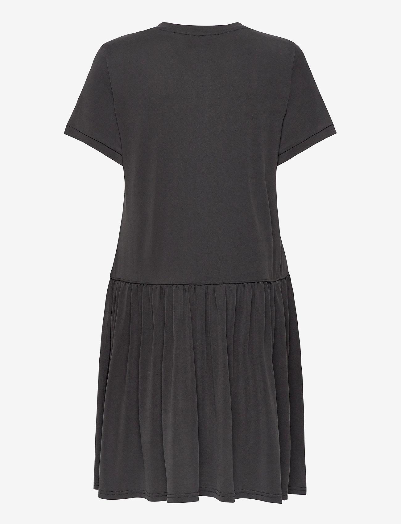 Second Female - Rayes Tee Dress - korte kjoler - black beauty