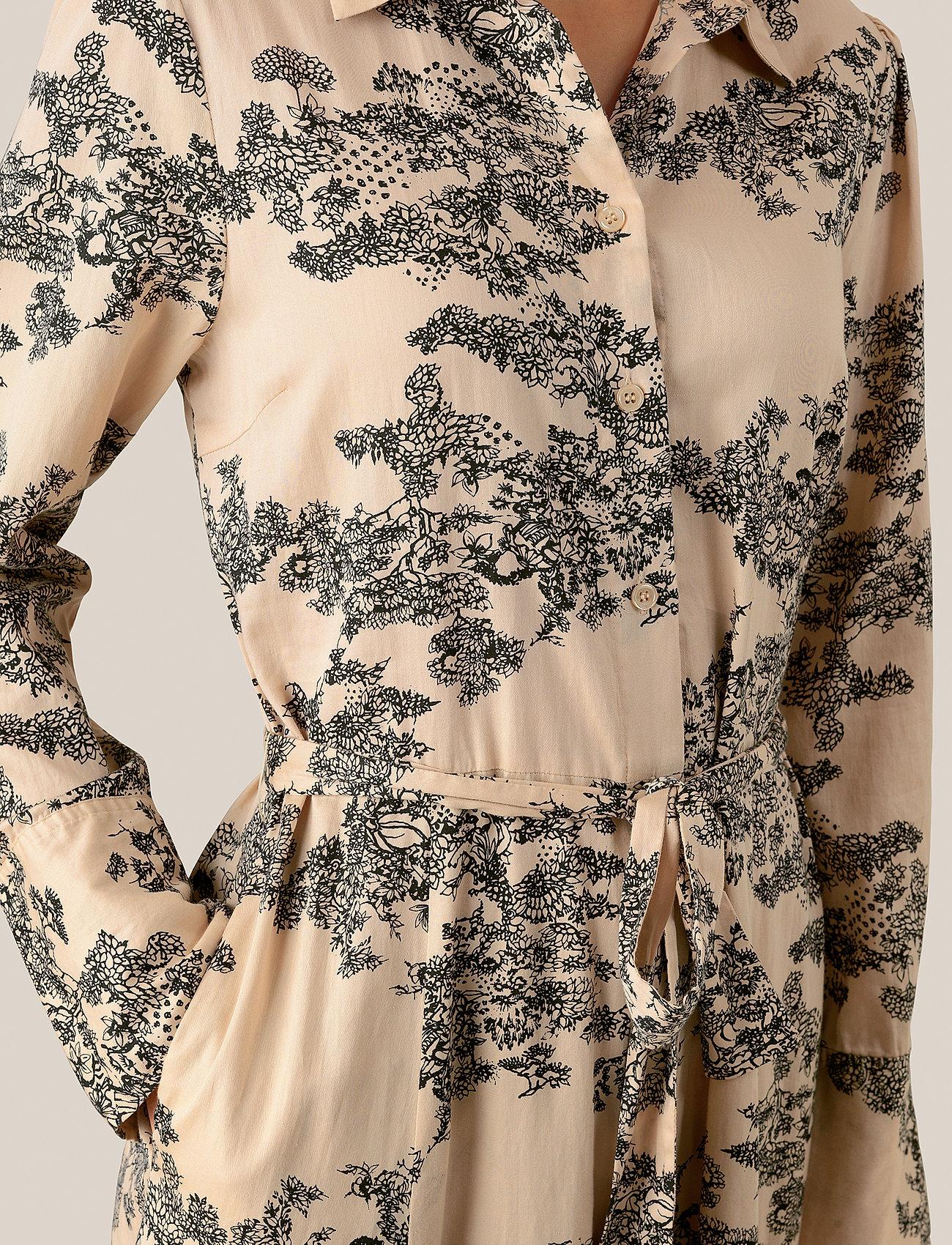 Second Female Picnic LS Maxi Dress - Sukienki PEBBLE - Kobiety Odzież.