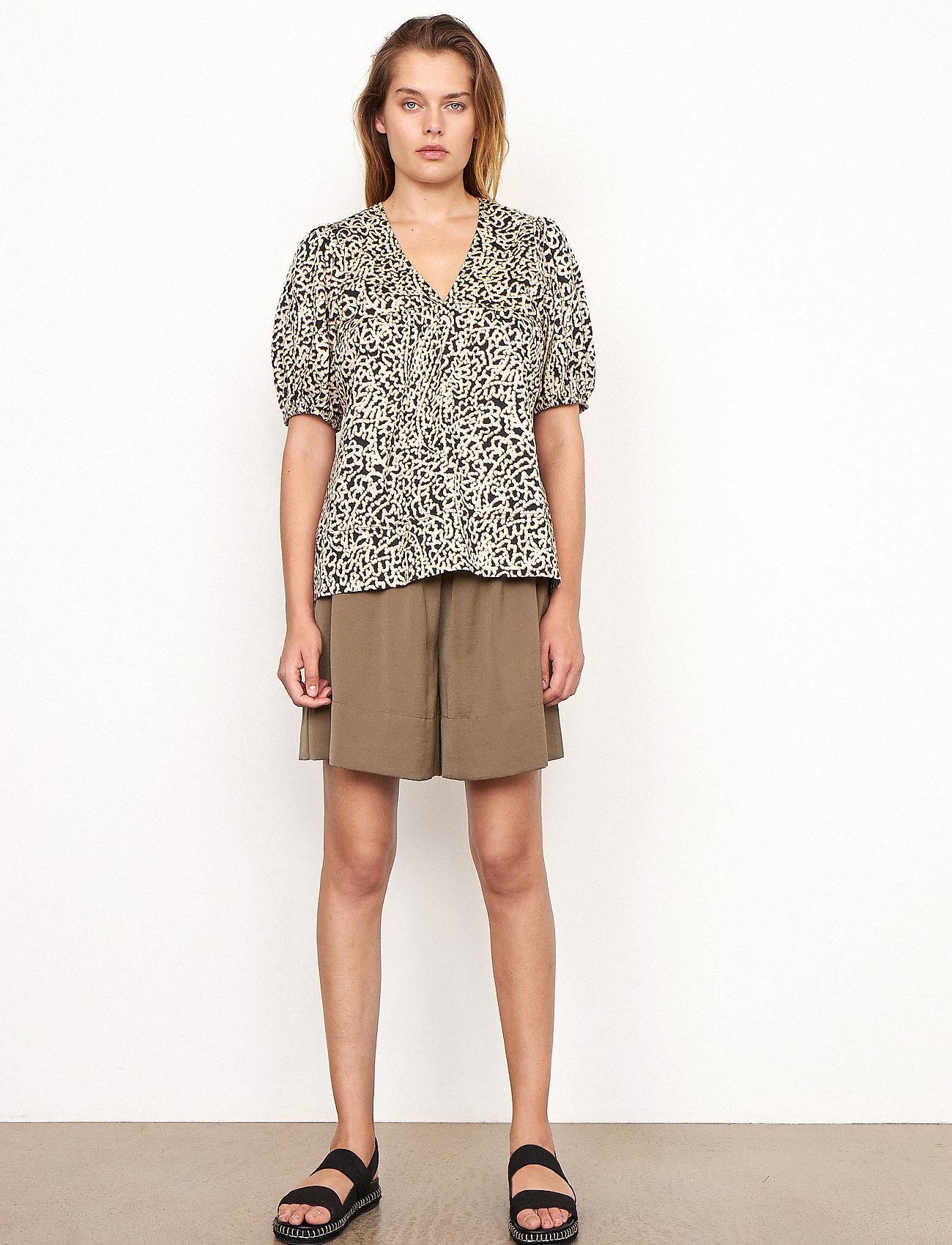Second Female - Minga Shorts - casual shorts - stone green - 0