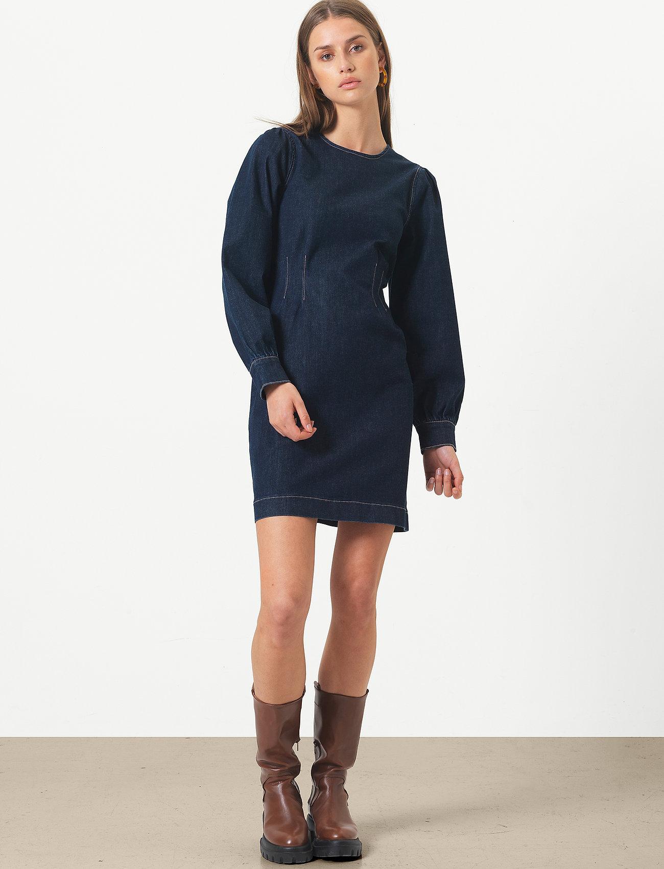 Second Female - Antoinet Dress - fodralklänningar - dark blue denim - 0