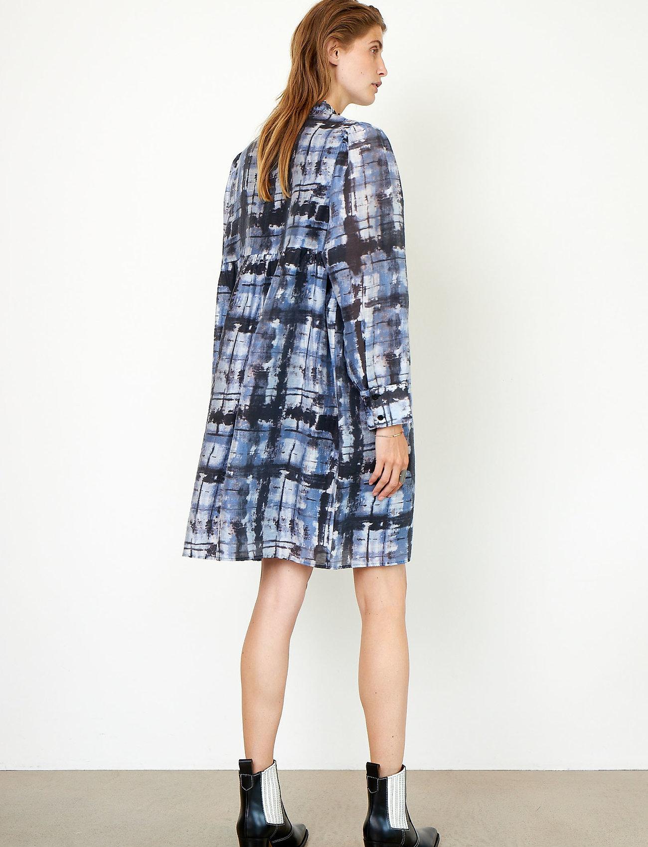 Second Female - Imprint Dress - sommerkjoler - blue shadow - 7