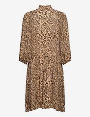 Second Female - Eli Dress - midiklänningar - desert mist - 1