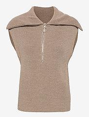 Second Female - Nola Knit Vest - stickade västar - humus - 1