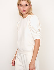 Second Female - Miami Sweat Tee - t-shirts - off white - 7