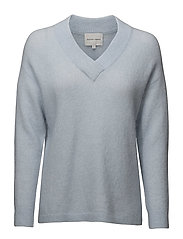 Brook Knit Deep V-neck - BABY BLUE