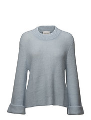 Danita Knit O-neck - BABY BLUE
