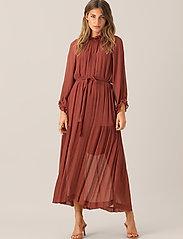 Second Female - Tul SS Long Dress - midi kjoler - henna - 0