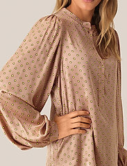 Second Female - Berri LS Blouse - langermede bluser - praline - 3
