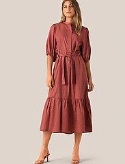Second Female - Aimee SS Midi Dress - midi kjoler - henna - 0