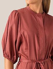 Second Female - Aimee SS Midi Dress - midi kjoler - henna - 3
