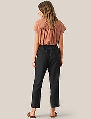 Second Female - Auso Shirt - kortermede skjorter - mocha mousse - 4