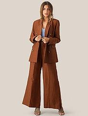 Second Female - Lia Trousers - vide bukser - carob brown - 0