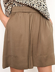 Second Female - Minga Shorts - casual shorts - stone green - 3