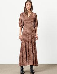 Second Female - Sandra Dress - maxi kjoler - marmalade - 0