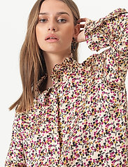 Second Female - Decor Shirt - långärmade blusar - marzipan - 3