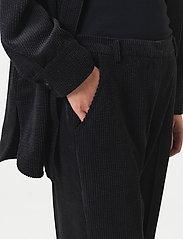 Second Female - Boyas New Trousers - bukser med brede ben - black - 3
