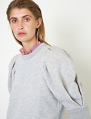 Second Female - Dawni Sweat Tee - stickade toppar - grey melange - 3