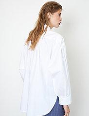 Second Female - Larkin New Shirt - långärmade skjortor - white - 5