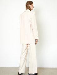 Second Female - Evie New Blazer - oversize kavajer - brazilian sand - 8