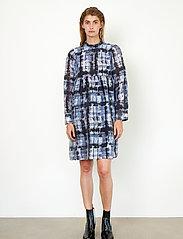 Second Female - Imprint Dress - vardagsklänningar - blue shadow - 0