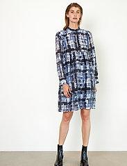 Second Female - Imprint Dress - vardagsklänningar - blue shadow - 6