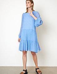 Second Female - Mano Dress - sommarklänningar - blue bonnet - 4