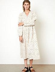 Second Female - Sketch Dress - sommarklänningar - brazilian sand - 4