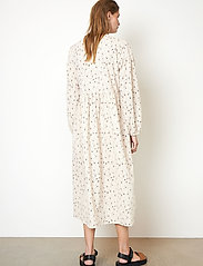 Second Female - Sketch Dress - sommarklänningar - brazilian sand - 6