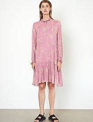 Second Female - Mories Dress - sommarklänningar - lilas - 5
