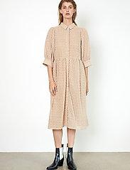 Second Female - Zelda Dress - vardagsklänningar - tuscany - 0
