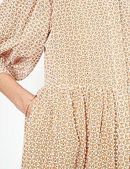 Second Female - Zelda Dress - vardagsklänningar - tuscany - 6