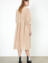 Second Female - Zelda Dress - vardagsklänningar - tuscany - 8