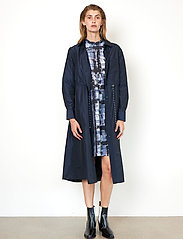 Second Female - Calypso Coat Dress - vardagsklänningar - deep well - 4