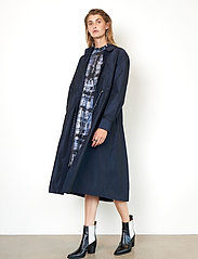 Second Female - Calypso Coat Dress - vardagsklänningar - deep well - 5