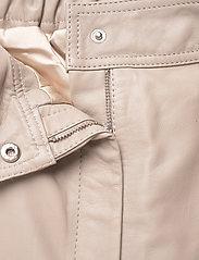 Second Female - Indie Leather New Trousers - læderbukser - humus - 2
