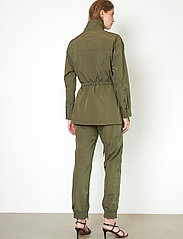 Second Female - Season New Track Trousers - raka byxor - olive night - 6