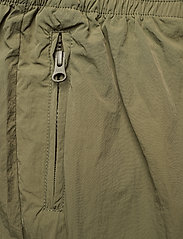 Second Female - Season New Track Trousers - raka byxor - olive night - 7