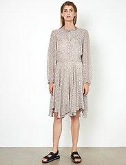 Second Female - Lacing Dress - vardagsklänningar - cement - 5