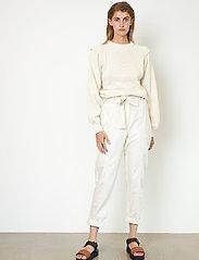 Second Female - Selene New Track Trousers - raka byxor - white swan - 4