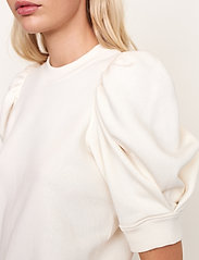 Second Female - Miami Sweat Tee - t-shirts - off white - 3