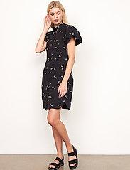 Second Female - California Dress - sommarklänningar - black - 5
