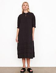 Second Female - Mallorca Midi Dress - sommarklänningar - black - 0
