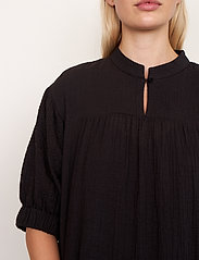 Second Female - Mallorca Midi Dress - sommarklänningar - black - 4
