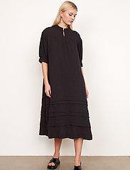 Second Female - Mallorca Midi Dress - sommarklänningar - black - 6