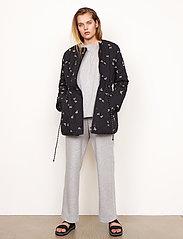 Second Female - California Quilt Jacket - quiltade jackor - black - 7
