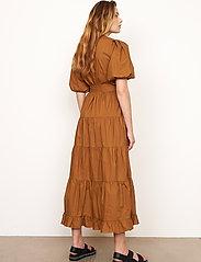 Second Female - Athena Midi Dress - vardagsklänningar - bronze brown - 6